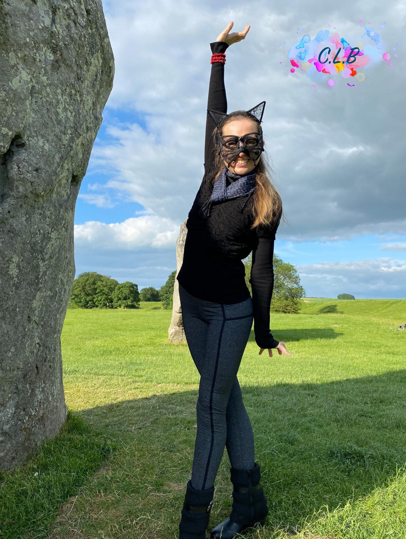 Caroline-Cat-Woman-by-the-devils-chair-stone