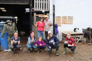 Saturday-sheep-sheering-team-picture