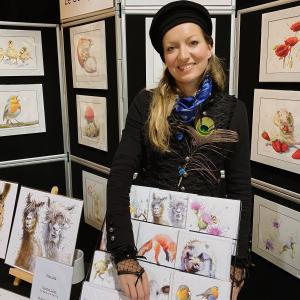 Caroline-on-the-frome-art-stand